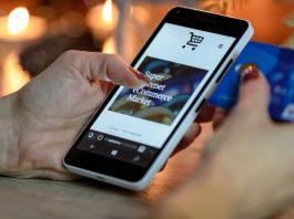 E-comm to gain as malls suffer report