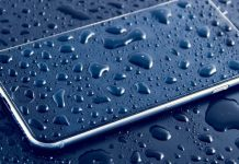 how to remove water from mobile phone