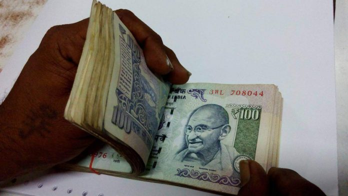 Central government may cut threshold for gratuity