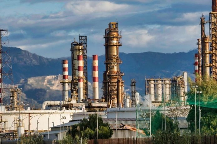 India filled crude oil reserves to full capacity