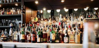 Kerala liquor shops may use mobile token system to control crowd
