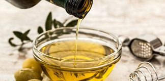 Retail cooking oil sales increased but demand from big buyers remains weak,